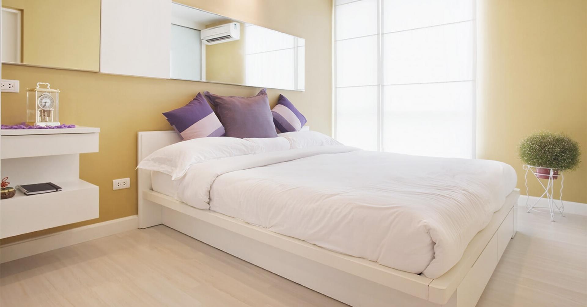 Phòng ngủ màu cam nhạt